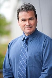Dr Roger Goncalves